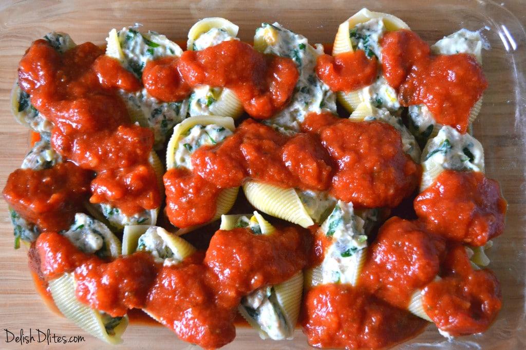 Sausage, Spinach and Artichoke Stuffed Shells | Delish D'Lites