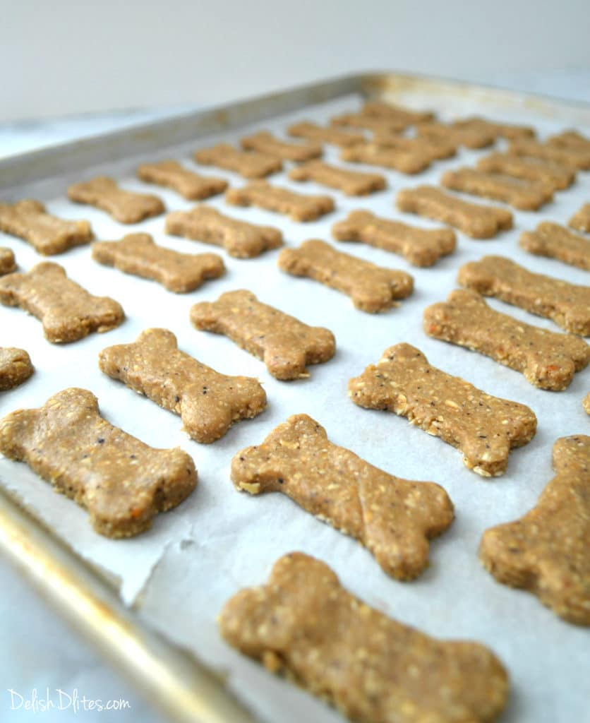 Oatmeal Peanut Butter & Blueberry Dog Treats | Delish D'Lites